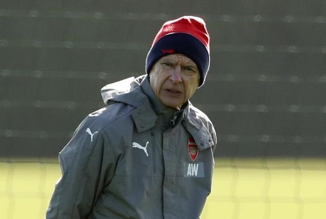 3月6日、サッカーのイングランド・プレミアリーグ、アーセナルのアーセン・ベンゲル監督は、チーム内の不和に関する報道を完全否定した(2017年 ロイター)