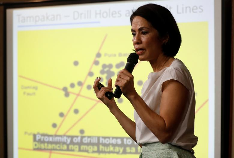 Philippine Environment Secretary Regina Lopez speaks in front of a chart on mining issues during a press briefing in Manila, Philippines February 9, 2017. REUTERS/Erik De Castro