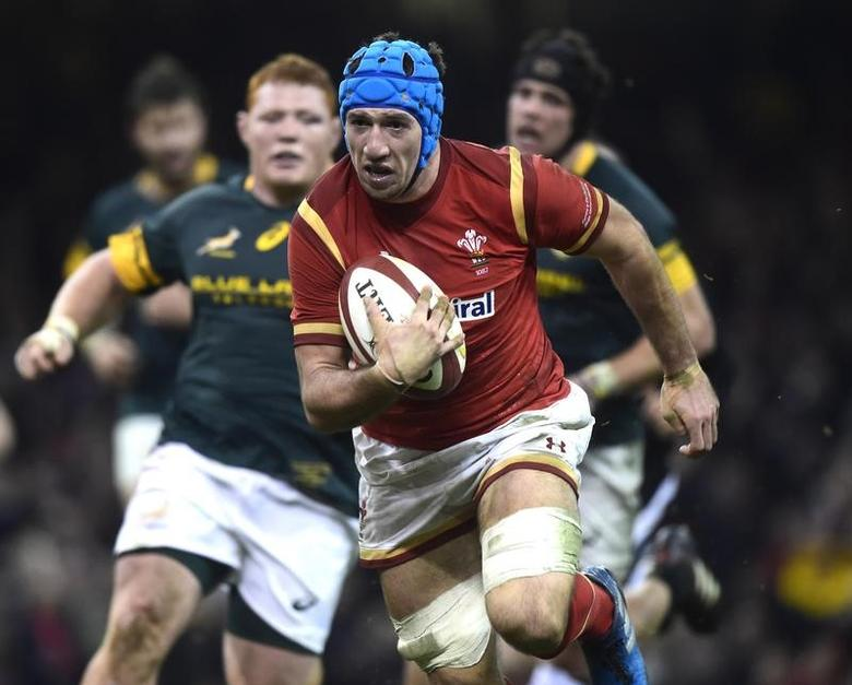 FILE PHOTO - Rugby Union Britain - Wales v South Africa - Principality Stadium, Cardiff, Wales - 26/11/16 Wales' Justin Tipuric breaks through the South African defence to score a try Reuters / Rebecca Naden