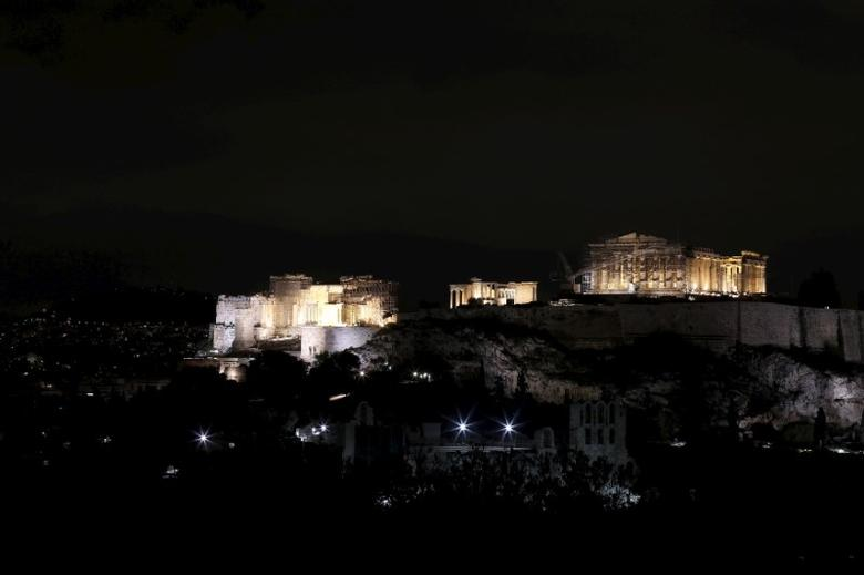 The hill of the Acropolis is pictured before Earth Hour in Athens March 28, 2015.  REUTERS/Kostas Tsironis