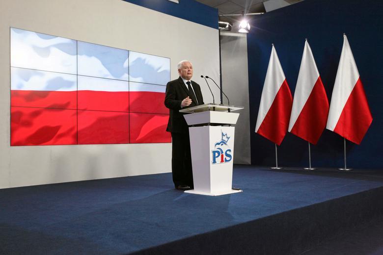 Jaroslaw Kaczynski, leader of Law and Justice (PiS) speaks during news conference in Warsaw, February 28, 2017. Agencja Gazeta/ Slawomir Kaminski via REUTERS