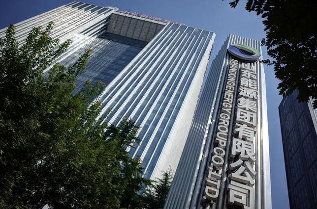 3月8日、経営破綻した中国・山東省の採炭会社、肥城礦業集団の債務再編では、「債権者委員会」の設置が合意にこぎ着ける上で重要な役割を果たした。写真は、同集団ほか5社が合併してできた山東能源集団。同省で昨年8月撮影。提供写真(2017年 ロイター/China Stringer Network)