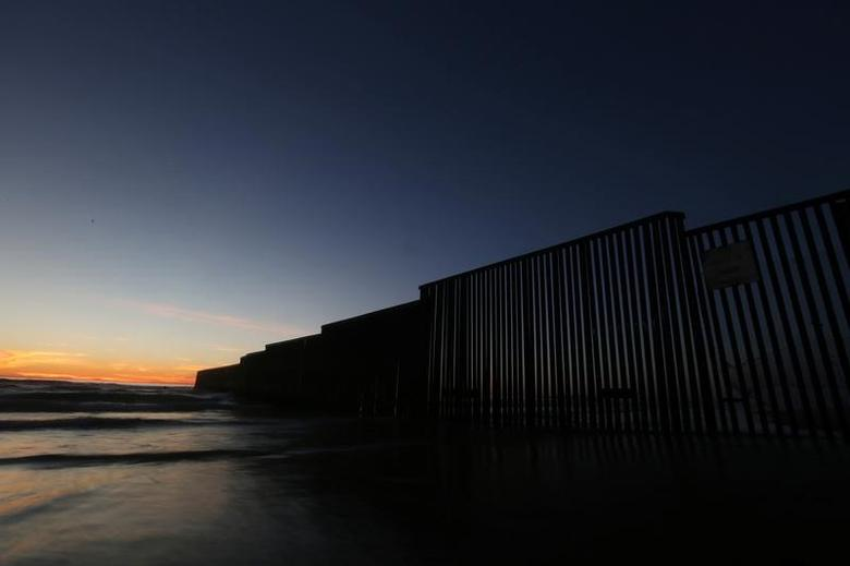 A view of a section of the wall separating Mexico and the United States, in Tijuana, Mexico, March 3, 2017. Picture taken March 3, 2017.  REUTERS/Edgard Garrido