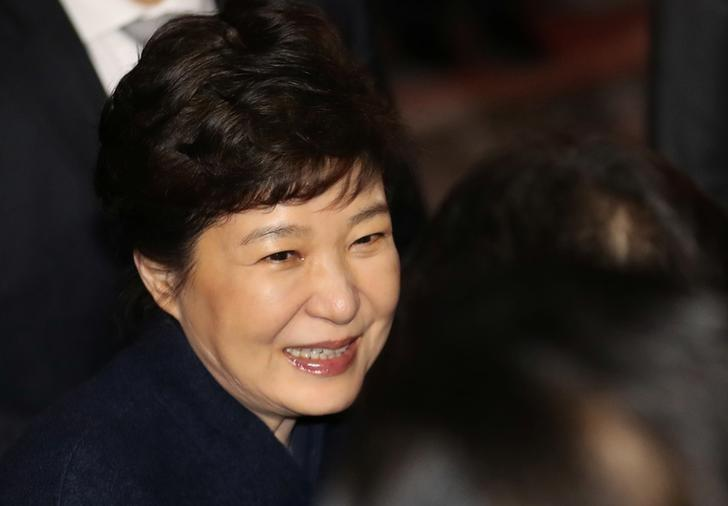 South Korea's ousted leader Park Geun-hye arrives at her private house in Seoul, South Korea, March 12, 2017.    Kim Hyun-tae/Yonhap via REUTERS