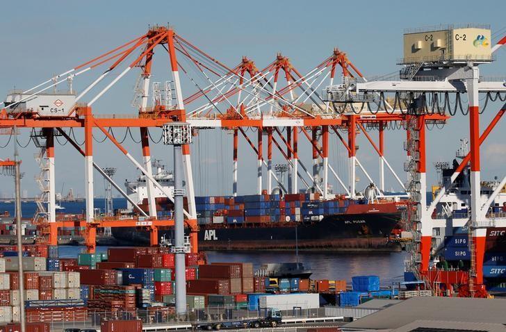 2017年1月16日,日本横滨港口的集装箱码头。REUTERS/Kim Kyung-Hoon