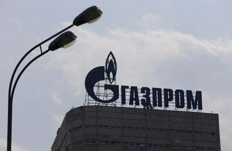 A view shows the company logo of Gazprom company installed on the roof of its office building in Moscow, August 10, 2015.  REUTERS/Maxim Shemetov