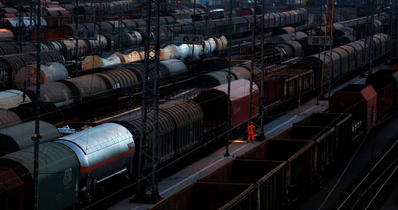 FILE PHOTO: Wagon trains of German rail operator Deutsche Bahn (DB) are seen at a freight railway station in the western city of Hagen October 6, 2014.  REUTERS/Ina Fassbender/File Photo          GLOBAL BUSINESS WEEK AHEAD PACKAGE Ð SEARCH BUSINESS WEEK AHEAD MARCH 13 FOR ALL IMAGES