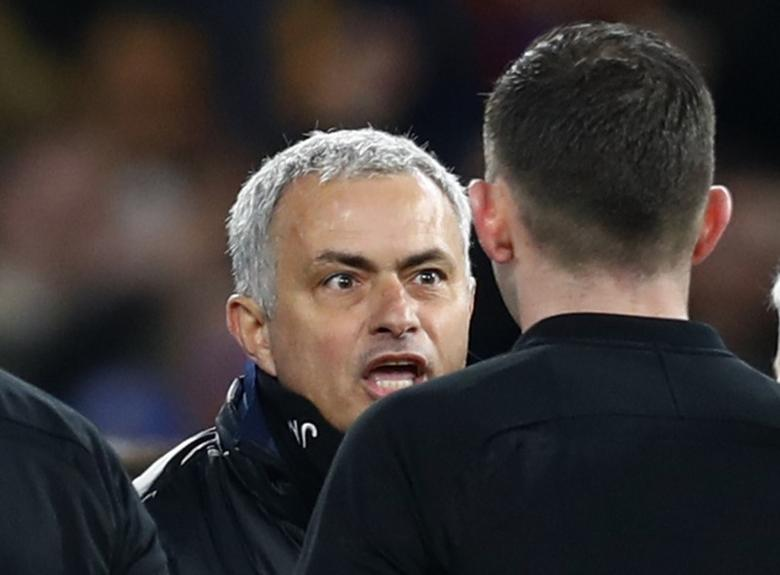 Britain Football Soccer - Chelsea v Manchester United - FA Cup Quarter Final - Stamford Bridge - 13/3/17 Manchester United manager Jose Mourinho remonstrates with referee Michael Oliver after the match Reuters / Eddie Keogh Livepic