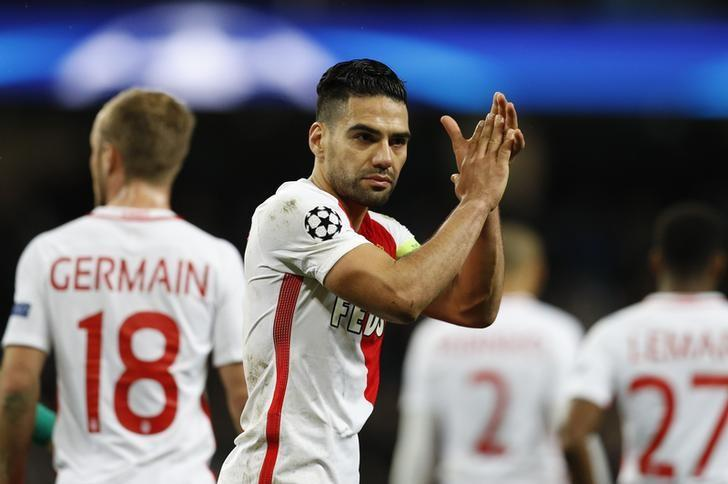 Britain Football Soccer - Manchester City v AS Monaco - UEFA Champions League Round of 16 First Leg - Etihad Stadium, Manchester, England - 21/2/17 Monaco's Radamel Falcao applauds fans after the game  Reuters / Darren Staples/ Livepic/ Files