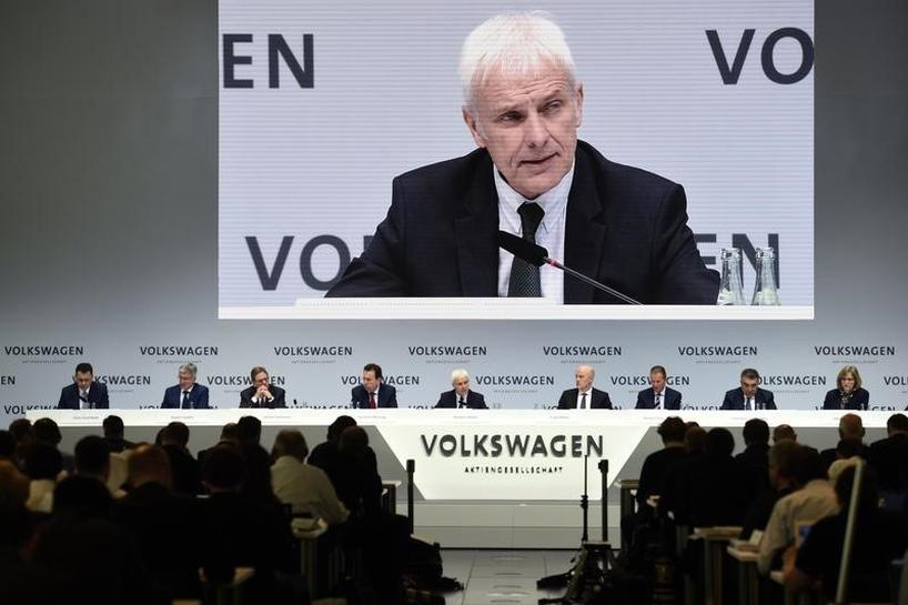 VW CEO says not ruling out merger talks with Fiat Chrysler boss
