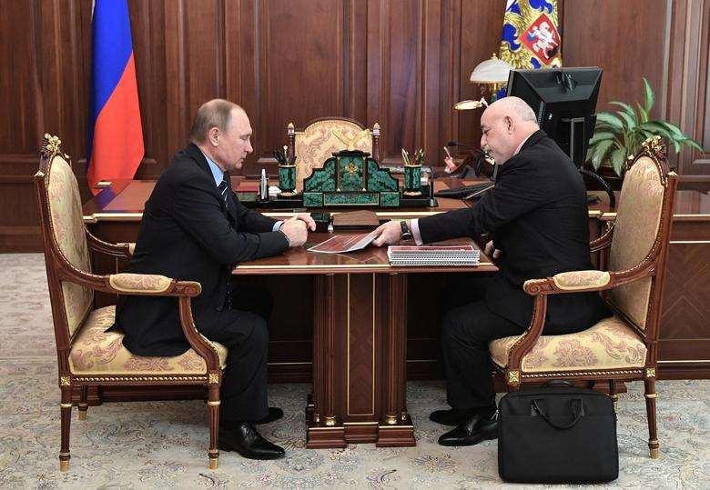 Russian President Vladimir Putin (L) meets with Viktor Vekselberg, chairman of the board at Renova holding company, in Moscow, Russia, March 14, 2017. Sputnik/Aleksey Nikolskyi/Kremlin via REUTERS ATTENTION EDITORS - THIS IMAGE WAS PROVIDED BY A THIRD PARTY. EDITORIAL USE ONLY.