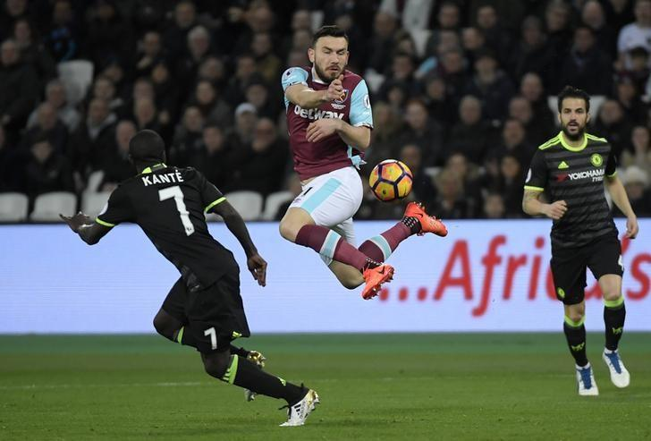 Britain Football Soccer - West Ham United v Chelsea - Premier League - London Stadium - 6/3/17 West Ham United's Robert Snodgrass in action with Chelsea's N'Golo Kante  Reuters / Toby Melville Livepic