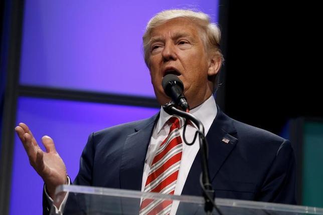 3月16日、トランプ米大統領は同日に発表する2018会計年度(17年10月─18年9月)の予算案で、国防費を大幅に拡大する。写真はピッツバーグで昨年9月撮影(2017年 ロイター/Jonathan Ernst)