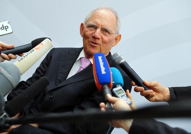 3月17日、G20でショイブレ独財務相は、世界貿易・市場開放を巡る表現の調整が続いているとの認識を示した。写真はバーデンバーデンで同日撮影(2017年 ロイター/Kai Pfaffenbach)