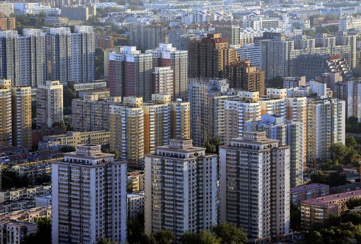 A residential area is pictured in Beijing August 29, 2013. REUTERS/Jason Lee/Files