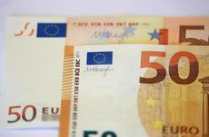 Titoli Stato Italia, Bce: portafoglio investitori esteri -4,1% Pil in 2016 .      REUTERS/Kai Pfaffenbach