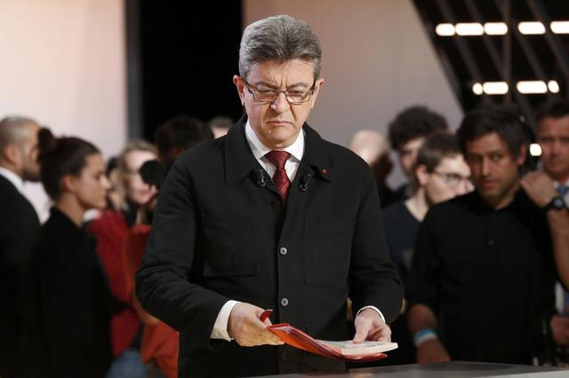 Candidate for the 2017 presidential election Jean-Luc Melenchon of the French far left Parti de Gauche arrives for a debate organised by French private TV channel TF1 in Aubervilliers, outside Paris, France, March 20, 2017. REUTERS/Patrick Kovarik/Pool