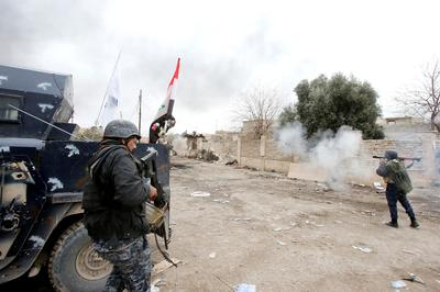 Iraqi forces edge further into Mosul