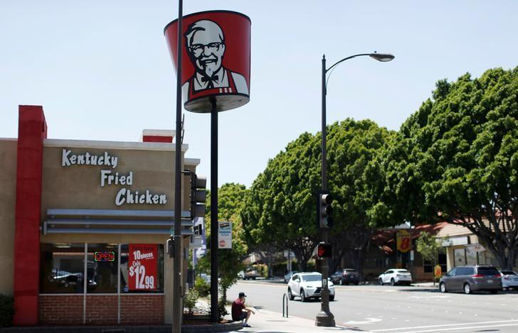 A KFC fast food restaurant, which is owned by Yum Brands Inc, is pictured ahead of their company results in Pasadena, California, U.S., July 11, 2016. REUTERS/Mario Anzuoni/Files
