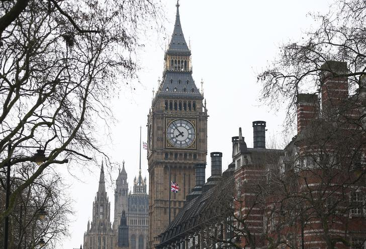 The Houses of Parliament are seen the morning after an attack by a man driving a car and weilding a knife left five people dead and dozens injured, in London, Britain, March 23, 2017. REUTERS/Neil Hall