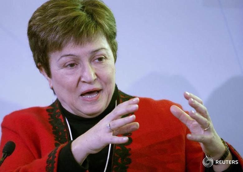 资料图片:1月20日,世界银行CEO克里斯塔利娜·格奥尔基耶娃(Kristalina Georgieva)在达沃斯世界经济论坛年会上讲话。REUTERS/Ruben Sprich