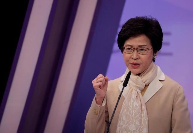 3月24日、香港で26日行われる行政長官選挙では、中国政府が支持する林鄭月娥(キャリー・ラム)前政務官が選出される可能性が高い。写真は林鄭氏。14日香港での代表撮影(2017年/ロイター)