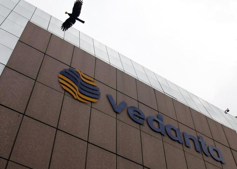 A bird flies by the Vedanta office building in Mumbai August 16, 2010.  REUTERS/Danish Siddiqui