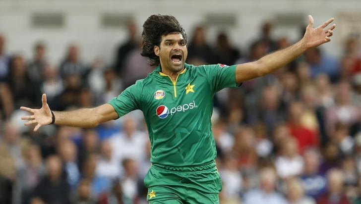 Britain Cricket - England v Pakistan - Fourth One Day International - Headingley - 1/9/16Pakistan's Mohammad Irfan celebrates taking the wicket of England's Alex HalesAction Images via Reuters / Lee SmithLivepic/Files