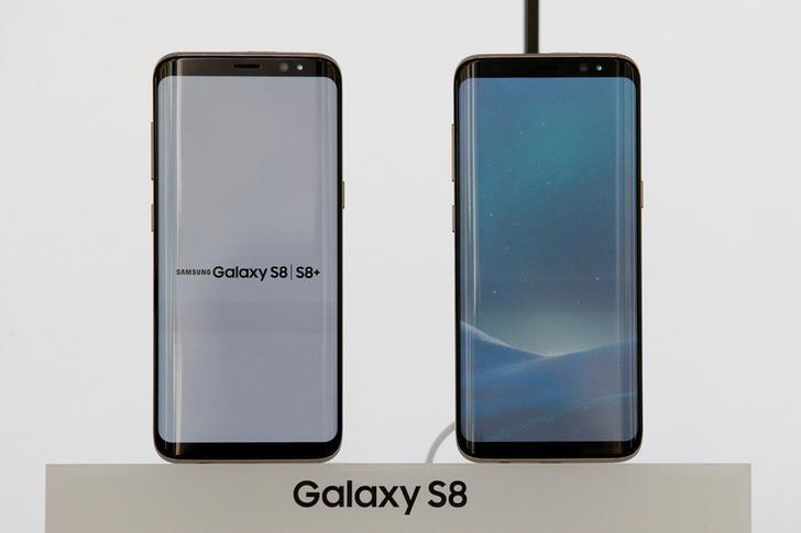 2017年3月29日,美国纽约,三星推出盖乐世(Galaxy)S8。REUTERS/Brendan McDermid