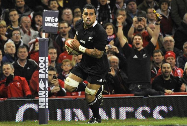 Liam Messam of New Zealand scores a try during their international rugby union match against Wales at the Millennium Stadium in Cardiff November 24, 2012.   REUTERS/Toby Melville