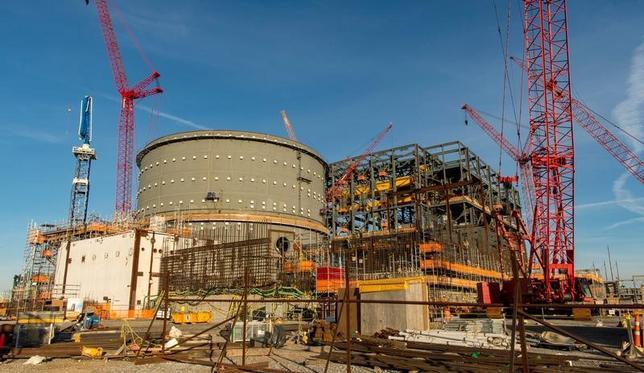 3月30日、中国の国家電力投資集団は、東芝傘下の米原発子会社ウエスチングハウス(WH)による破産法申請は、同国の核計画に「大きな影響」を与えないとの見方を明らかにした。写真は建設中のボーグル原発。ジョージア州で2月撮影。提供写真(2017年 ロイター/Georgia Power/Handout via REUTERS )