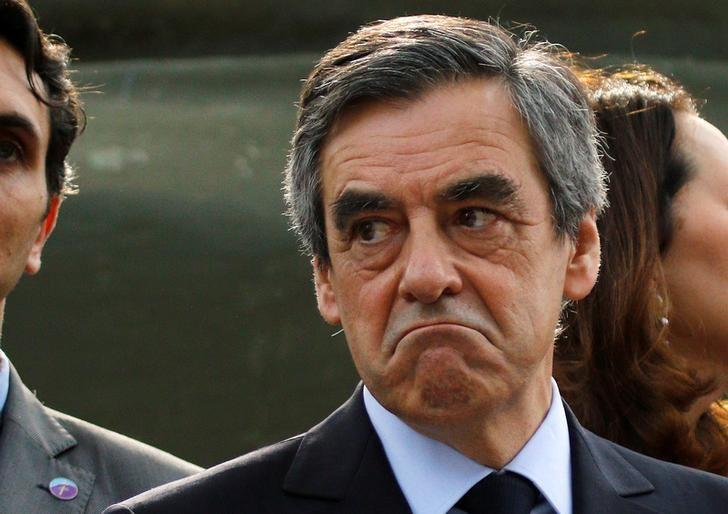 Francois Fillon, former French Prime Minister, member of the Republicans political party and 2017 presidential election candidate of the French centre-right, visits the Mont Faron ''Memorial du Debarquement et de la Liberation en Provence'' as part a campaign visit in Toulon, France, March 31, 2017. REUTERS/Philippe Laurenson