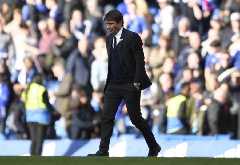 Britain Soccer Football - Chelsea v Crystal Palace - Premier League - Stamford Bridge - 1/4/17 Chelsea manager Antonio Conte looks dejected after the match  Action Images via Reuters / Tony O'Brien Livepic