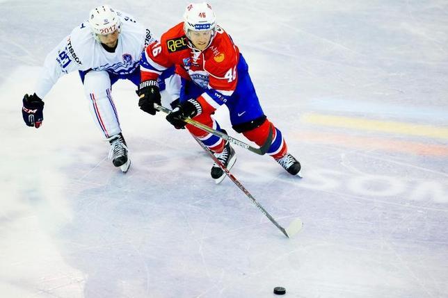 4月4日、国際オリンピック委員会(IOC)は、北米アイスホッケーリーグ(NHL)が同リーグに所属する選手を2018年平昌冬季五輪に派遣しないことに対して遺憾の意を表明した。2016年9月撮影(2017年 ロイター/NTB Scanpix/VegardWivestad Grott)