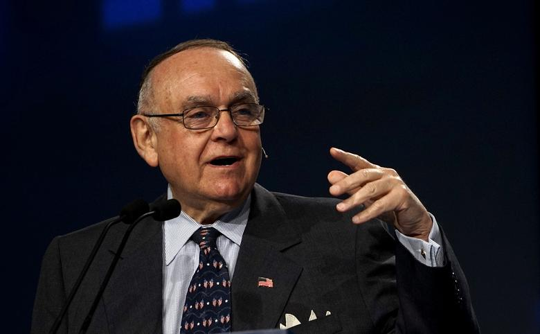 FILE PHOTO: Leon G. Cooperman, CEO of Omega Advisors, Inc., speaks on a panel at the annual Skybridge Alternatives Conference (SALT) in Las Vegas May 7, 2015.  REUTERS/Rick Wilking/File Photo