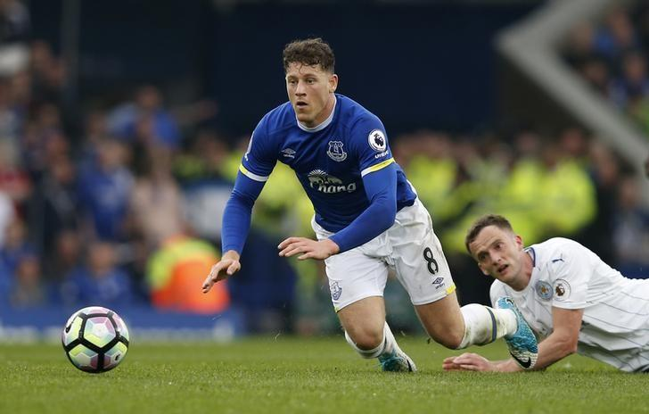 Britain Football Soccer - Everton v Leicester City - Premier League - Goodison Park - 9/4/17 Everton's Ross Barkley in action with Leicester City's Andy King  Reuters / Andrew Yates Livepic