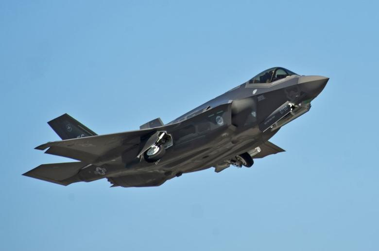An F-35A Lightning II Joint Strike Fighter takes off on a training sortie at Eglin Air Force Base, Florida in this March 6, 2012 file photo.   REUTERS/U.S. Air Force photo/Randy Gon/Handout  ATTENTION EDITORS - THIS IMAGE WAS PROVIDED BY A THIRD PARTY. EDITORIAL USE ONLY - RTSKP5Y
