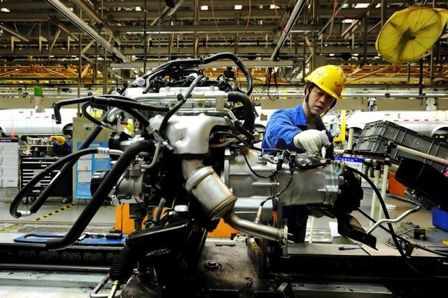 4月17日、中国国家統計局が発表した第1・四半期の国内総生産(GDP)は、前年同期比6.9%増と予想をわずかに上回った。写真は昨年3月山東省で撮影(2017年  ロイター)