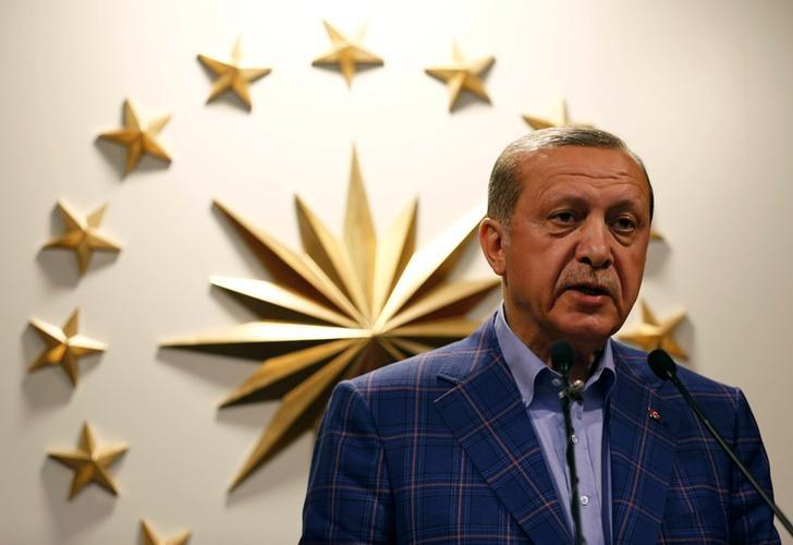 Turkish President Recep Tayyip Erdogan speaks during a news conference in Istanbul, Turkey April 16, 2017. REUTERS/Murad Sezer