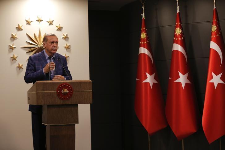 Turkish President Tayyip Erdogan gives a statement in Istanbul, Turkey, April 16, 2017. REUTERS/Murad Sezer