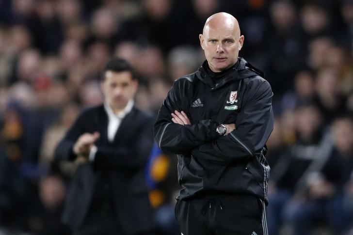 Britain Soccer Football - Hull City v Middlesbrough - Premier League - The Kingston Communications Stadium - 5/4/17 Middlesbrough caretaker manager Steve Agnew as Hull City manager Marco Silva looks on Action Images via Reuters / Carl Recine Livepic/Files
