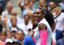 La tenista Serena Williams está embarazada y espera su primer hijo para este otoño, dijo el miércoles su portavoz, quien confirmó que la estadounidense volverá al circuito el próximo año. En la imagen de archivo, Serena Williams, de EEUU, tras vencer a Johanna Larsson, de Suecia, en el sexto día del Open de EEUU de 2016 en el USTA Billie Jean King National Tennis Center, 3 de septiembre de 2016, Nueva York, EEUU. Mandatory Credit: Robert Deutsch-USA TODAY Sports