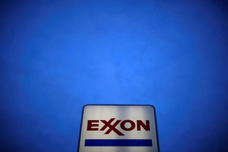 An Exxon sign is seen at a gas station in the Chicago suburb of Norridge, Illinois, U.S., October 27, 2016. REUTERS/Jim Young