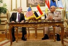 Egypt's Minister of Defense Sedki Sobhi welcomes U.S. Defense Secretary James Mattis at the Ministry of Defense in Cairo, Egypt, April 20, 2017. REUTERS/Jonathan Ernst