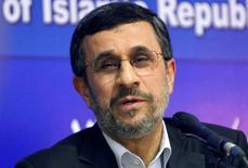 صورة من أرشيف رويترز للرئيس الإيراني السابق محمود أحمدي نجاد.
