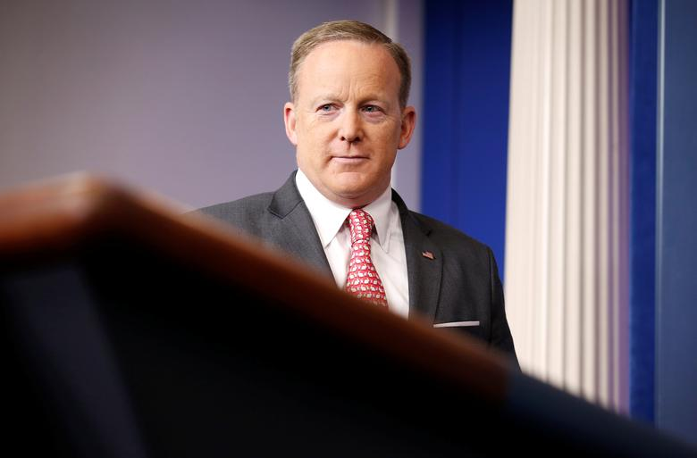 White House Press Secretary Sean Spicer arrives for a press briefing at the White House in Washington, U.S., April 17, 2017.      REUTERS/Joshua Roberts