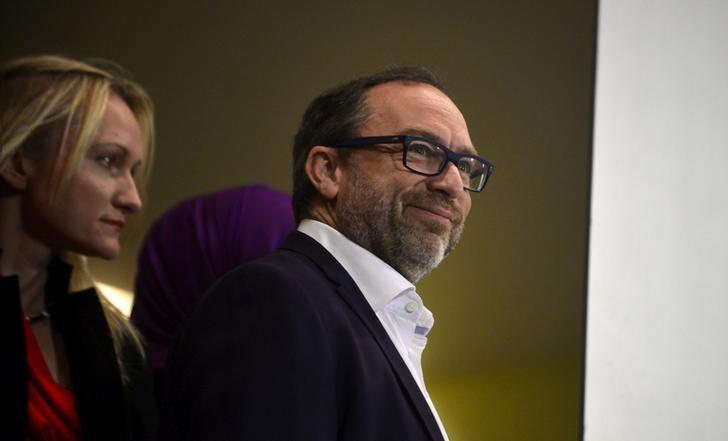 FILE PHOTO: Wikipedia co-founder Jimmy Wales arrives at a news conference in Oviedo, northern Spain, October 22, 2015. REUTERS/Vincent West/File Photo