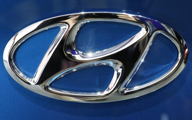 The Hyundai logo is seen at the 2017 New York International Auto Show in New York City, U.S. April 12, 2017. REUTERS/Brendan Mcdermid
