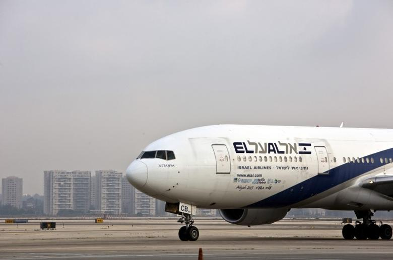 FILE PHOTO: An El Al Airlines aircraft is seen at Ben Gurion International Airport near Tel Aviv, Israel July 14, 2015.  REUTERS/Nir Elias/File Photo