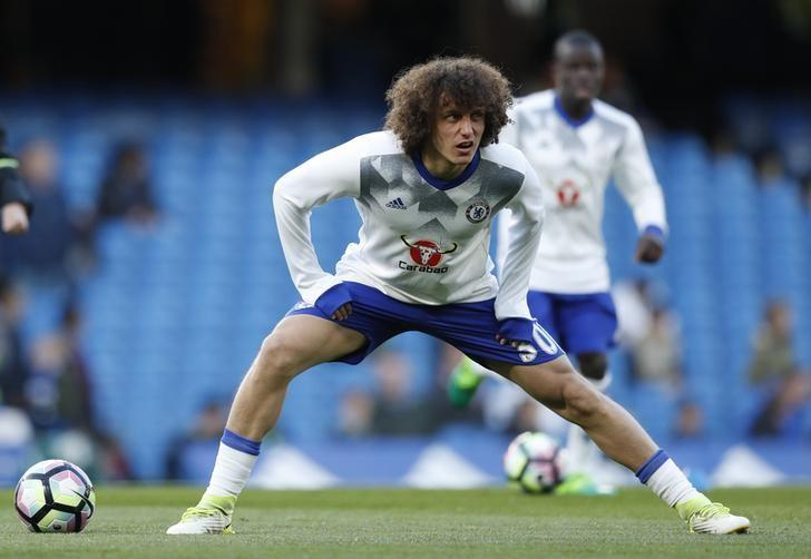 Britain Football Soccer - Chelsea v Southampton - Premier League - Stamford Bridge - 25/4/17 Chelsea's David Luiz warms up before the match Action Images via Reuters / John Sibley/ Livepic/ Files